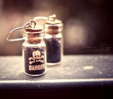 An ounce of poison by Alessia-Izzo