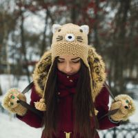 Beige Cat beanie and Hedgehog mittens by NatalieKnit