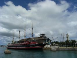 Aloha Tower Ship by rioka