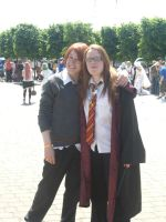 Ron and Ginny by aragornsgirl333