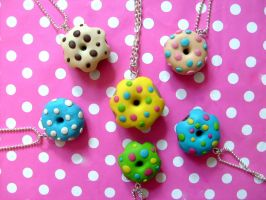 Donut necklaces by NimfVirTi