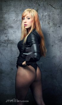 Holly Hocks Black Canary Cosplay by TREXMAN