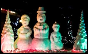 The Frosty Family Carolers by sculptin