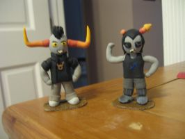 Tavros and Equius figures by kyuubicross
