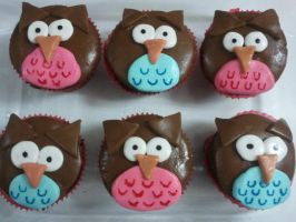 Owl Cupcakes by kiwilover25