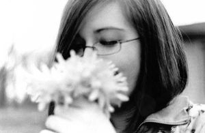 Bekah and Flowers by fille-d-amoureux