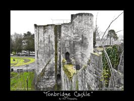 Tonbridge Castle by koltregaskes