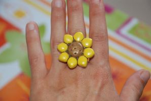 sunflower fimo ring by Libellulina