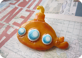 yellow submarine brooch :P by tea-time-alchemist