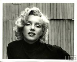 Marilyn Monroe by Tigglett