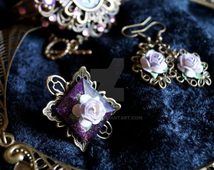 Gothic Purple rose ring by Cyanida