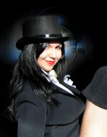Sharply Dressed Zatanna - Cosplay by Syluna by SylunaHirokashi