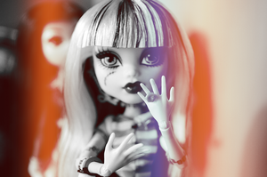 Monster High- Put a Ring on it by Shippuu444