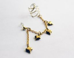 Antique Gold Heart Ear Cuff by CakeFruit