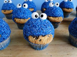 Cookie Monster Cupcakes by cakecrumbs
