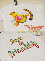 winnie the pooh - t shirt by skyna