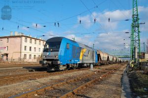 2016 903 'LTE' with freight in Komarom on 2012 -2 by morpheus880223