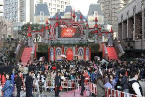 AIW - film premiere in Japan 2 by AliceInWonderland