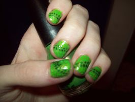 Green Polka Dot Nails by ffishy21