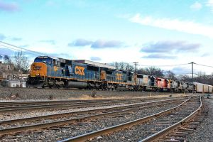 CSX 4527 on Q-273 by cr6660