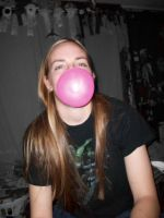 I heart bubble gum by BloodStainedSilk