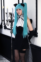 Hatsune Miku Cosplay- Risky Game: Waiting on you by SpicaRy