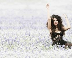 Selena Gomez wallpaper Come and Get it - 2 by FlorchuuGomezBieber
