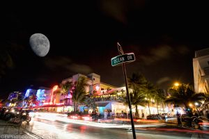 SoBe Moon by BPhotographic