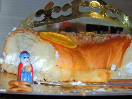 cake and crown by ionelat