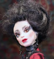 Enriqueta again-La Vampira by LabyrinthCreations