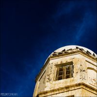 White and Blue by FelixTo