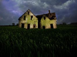 Old House by Fabrhys