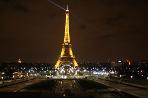 Paris by night by zoemash
