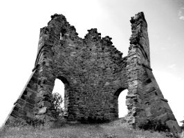 Tutbury Castle Ruins by MichaelJTopley