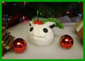 Snow Hoppip Ornament by sorjei