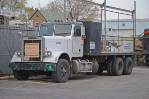 Vintage Freightliner_0117 3-31-12 by eyepilot13