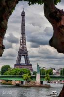 Eiffel Tower and Statue of Liberty by SoundOfSilence87