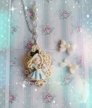 Alice and White Rabbit shabby chic / Ploppi by MagicoMondoDiPLOPPI