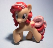 New arrival: Ribbon Heart by Jazzy90