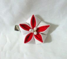 Red and white bellflower clip by EruwaedhielElleth