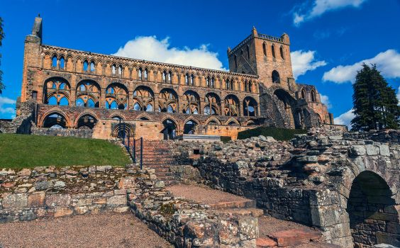 Jedburgh Abbey by newcastlemale