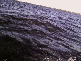 Waves along the boat by kAoTiCwOnDeR