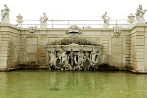 Belvedere fountain - Vienna by wildplaces