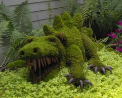 Dragon Topiary by Geak-of-Nature