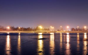 Frozen lake by edzwux