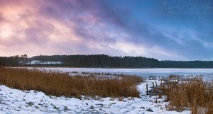 Frozen lake by Buszujacy-w-zbozu