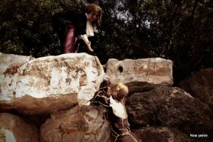 Roza and beatrice on the cliff by noay94