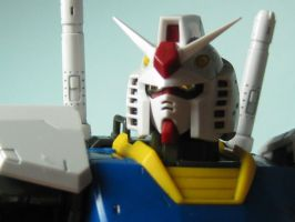 RX-78-2: Are You Lookin At Me? by iHeartAbsol2