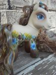 Goldenrod pointillism pony by PoisonGirlCustoms