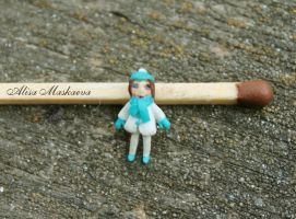 Teeny-tiny girl from polymer clay (1 cm tall) by Krinna
